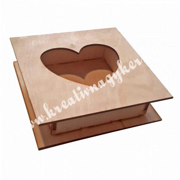 Dekor alap, fadoboz kivágott szívvel, 18x5 cm