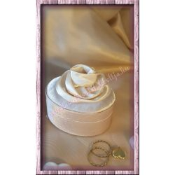Ékszertartó doboz, szatén, bézs színű, 1 darab