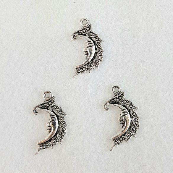 Fémmedál, Hold, 1,5x2 cm